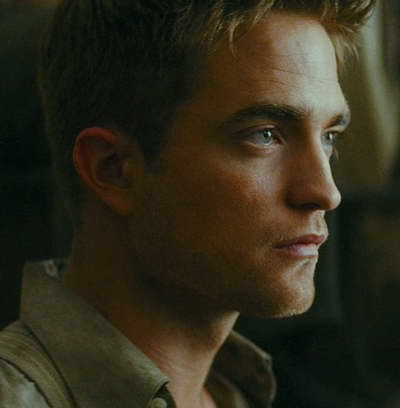 Robert Pattinson Water  Elephants on Robert Pattinson In Water For Elephants Movie Trailer   Movie Stills